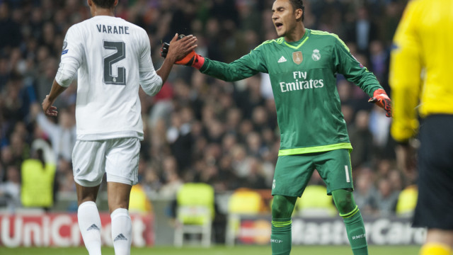 Varane and Keylor Navas of Real Madrid during the UEFA Champions League match at the Estadio Santiago Bernabeu, Madrid Picture by Marcos Calvo Mesa/Focus Images Ltd +34 654142934 03/11/2015